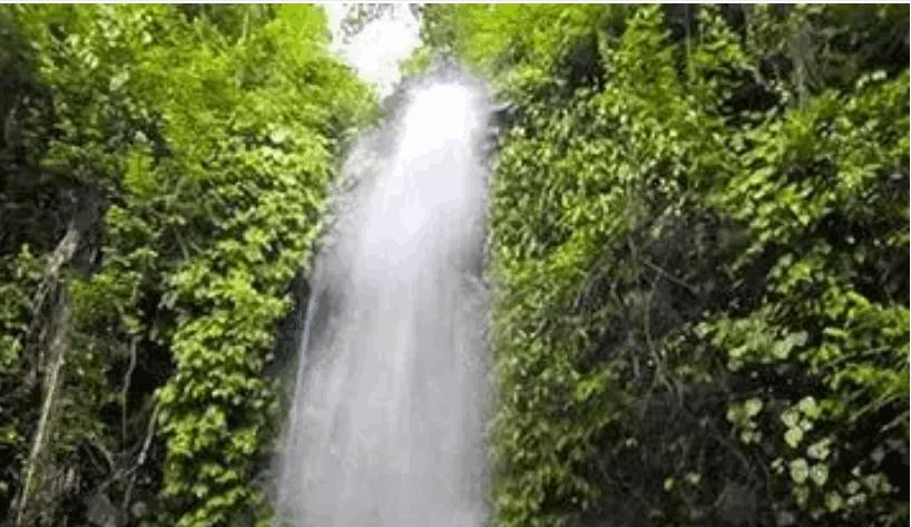 Komlok Waterfall