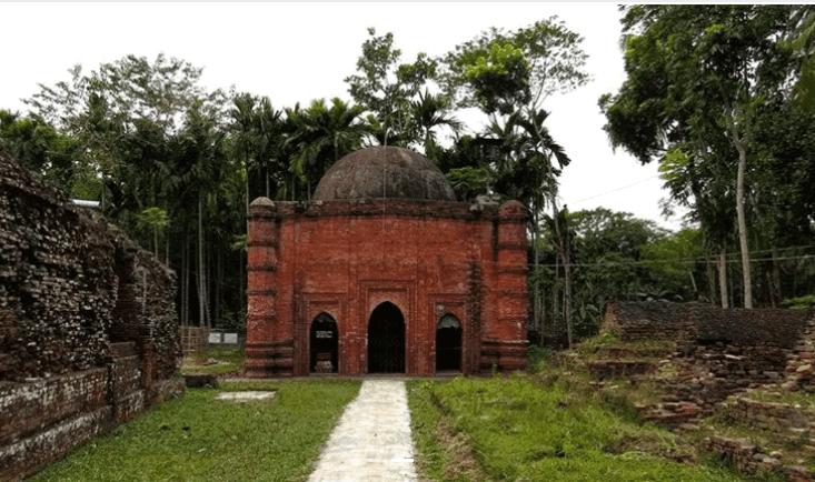 Zinda Pir Mosque